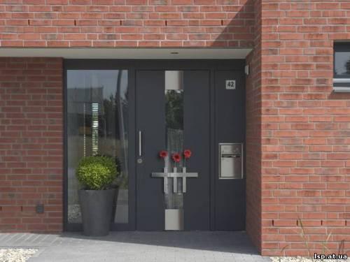 металические входные двери в деревенский дом